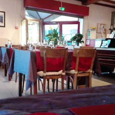 Salle de restaurant a Laffrey Au Pre du Lac