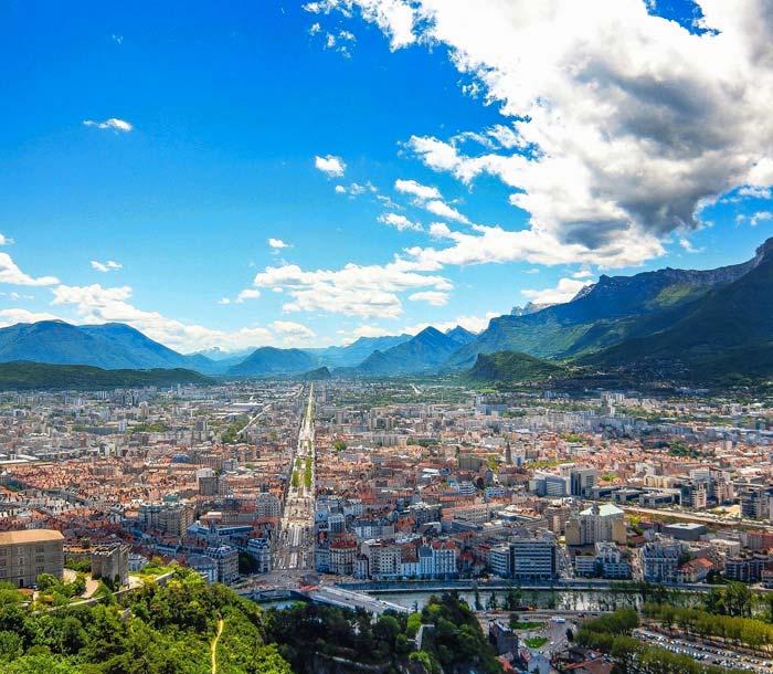 Grenoble ville proche du camping en Isere
